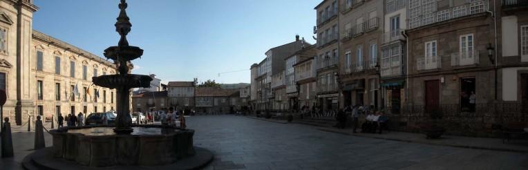 La fuente de la Plaza como protagonista, punto obligado de encuentro cuando era el suministro de agua local