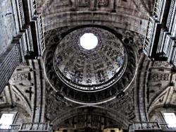 Nave central y bóveda de la Iglesia de Celanova - Ourense, Galicia - España, septiembre 2012